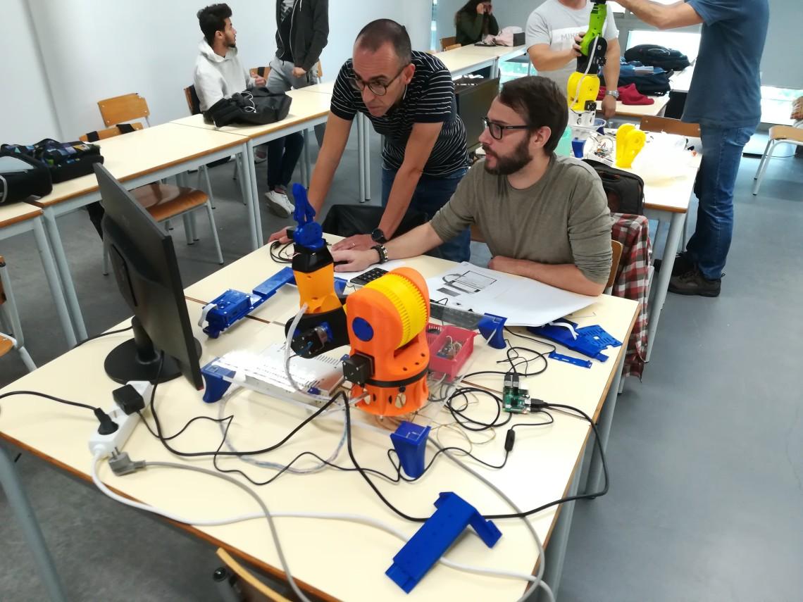 A EPATV conquista avanços em Projeto Erasmus+ sobre Robótica